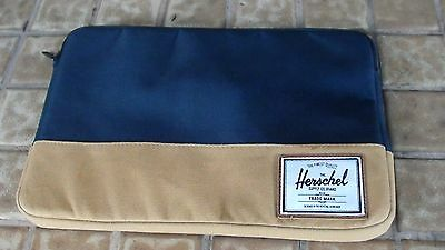 "Herschel Supply Co. Heritage 15"" Laptop Sleeve / Macbook / Notebook Case"