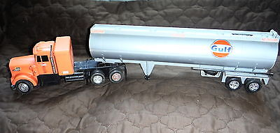 Gulf Oil - Tanker TRUCK - Carrying  Daviess Bourbon Bottle - Toys for Big Boys