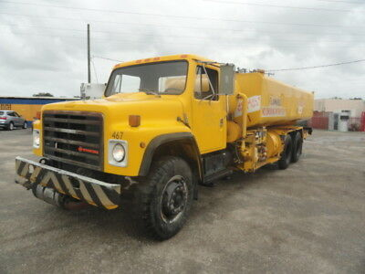 1986 International F1954 5,000 Gallons Aircraft Jet Fuel Truck