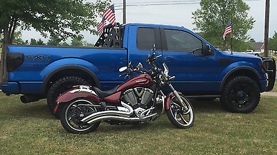 2011 Victory Vegas  2011 Victory Vegas (LOADED) near mint condition LOOK!