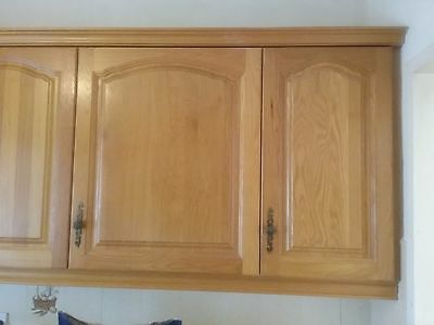 Kitchen cupboards units with solid matching carcasses for Cream kitchen carcasses