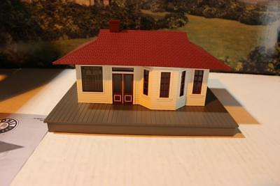 American Flyer By Lionel- 49843- Lighted Suburban Station-  New -  S1