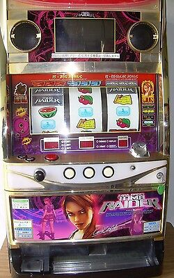Pachislo Skill Stop Japanese Tomb Raider Slot Machine / 200 Tokens /  Manual /