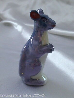 ♡ BLUE LUSTRE KANGAROO SALT OR PEPPER SHAKER MADE 1960s JAPAN