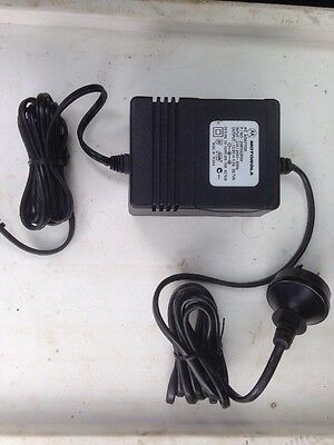 240v AC To 13.8v DC Adaptor/Charger