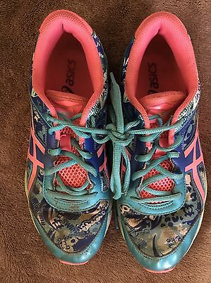 Ladies Asics size 6/Eu39