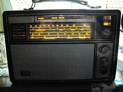 Vintage GE Model P2900A World Monitor Shortwave Radio (1969)