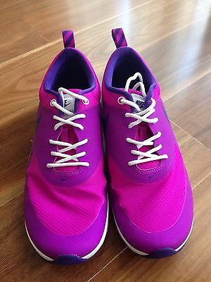 Nike Air Max Thea Girls Women New Condition Worn Once