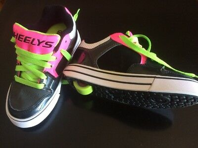 Original Heelys Roller Shoes Size UK1 Eur33