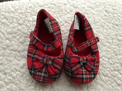 Baby Girls Shoes 12-18 Months  - Pretty Pram Shoes- New