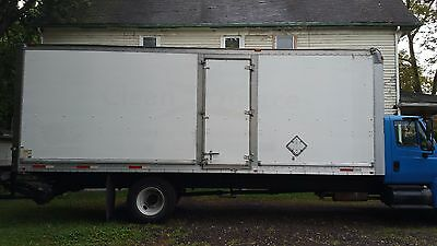 2008 International 4300 26 ft Box Truck Non CDL Lift Gate Ramp