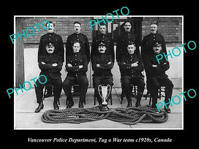 OLD LARGE HISTORIC PHOTO OF VANCOUVER CANADA, THE POLICE TUG O WAR TEAM c1920s