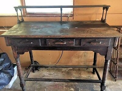 RARE FIND !!!   1800's  VERY UNUSUAL ANTIQUE SOLID OAK STAND UP PLANTATION DESK