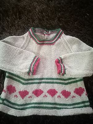 Hand knitted baby clothes, size 00.