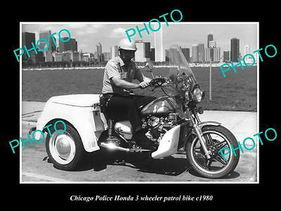 OLD LARGE HISTORIC PHOTO OF THE CHICAGO POLICE HONDA 3 WHEEL PATROL BIKE c1980