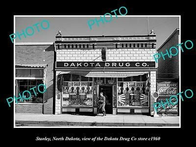 OLD LARGE HISTORIC PHOTO OF STANLEY NORTH DAKOTA, THE DAKOTA DRUG Co STORE c1960