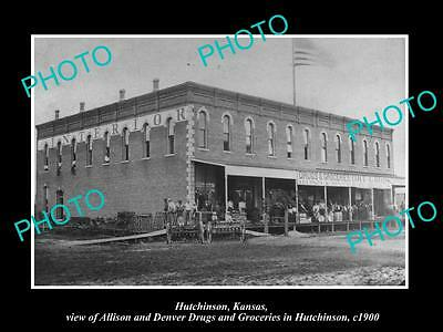 OLD LARGE HISTORIC PHOTO OF HUTCHINSON KANSAS, VIEW OF THE DRUG STORE c1900