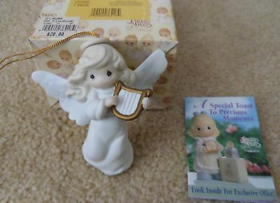PRECIOUS MOMENTS 1997 Enesco Angel ornament JOY TO THE WORLD in orignal box