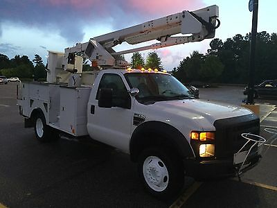 2008 Ford F-550 6.4 Diesel Bucket Truck, 22k miles on new Ford engine