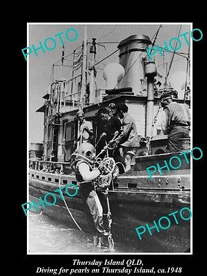 OLD LARGE HISTORIC PHOTO OF THURSDAY ISLAND QUEENSLAND, PEARL DIVERS BOAT c1948
