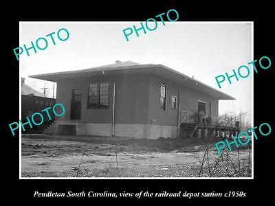 OLD HISTORIC PHOTO OF PENDLETON SOUTH CAROLINA, RAILROAD DEPOT STATION c1950s