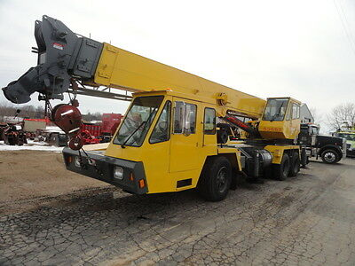 P & H OMEGA T250 crane 25 ton nice condition cat diesel JIB BOOM