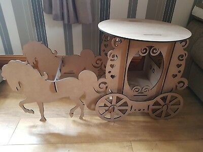 Cake Stand Wooden Horse & Carriage