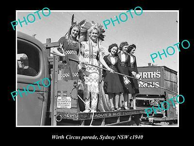 OLD LARGE HISTORIC PHOTO OF THE WIRTHS CIRCUS PARADE, SYDNEY NSW c1940