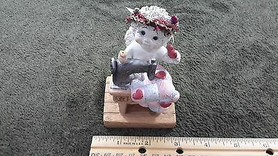 "Dreamsicles Figurine Cherub Angel ""With All My Heart"" )limited edition"