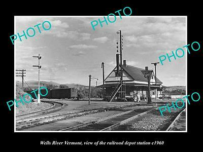 OLD LARGE HISTORIC PHOTO OF WELLS RIVER VERMONT, THE RAILROAD DEPOT c1960