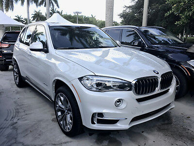 2016 BMW X5 Premium Luxury Package 2016 BMW X5 Premium Edition - Loaded with options!