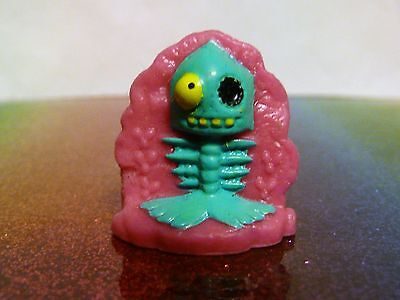 Trash Pack Rotten Egg Trashies Series 6 #948 SMELLY JELLY FISH Rare Pink Mint