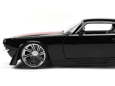 "1971 Chevy Camaro SS ""CUSTOM"" 1:24 Scale Diecast Model"