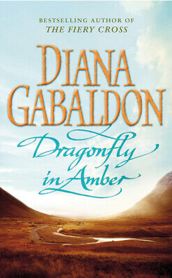 Dragonfly in amber by Diana Gabaldon (Paperback)