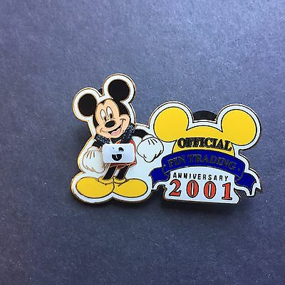 WDW Official Pin Trading Anniversary 2001 Mickey Mouse Disney Pin 8919