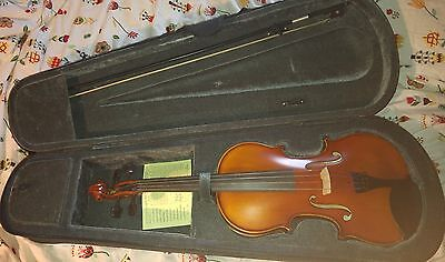 """Primavera 200 15.5"""" Viola with case, bow, rosin and high quality Prelude strings"""