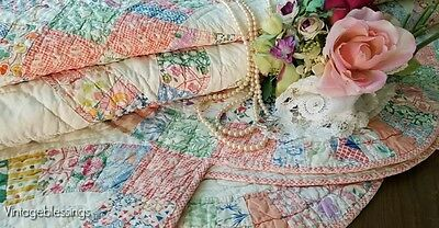 Beautiful Feedsack Prints! VINTAGE 30s Wedding Ring QUILT 90x77
