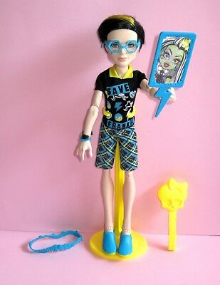 MONSTER HIGH Freaky Fusion Save Frankie - Jackson Jekyll doll VGC