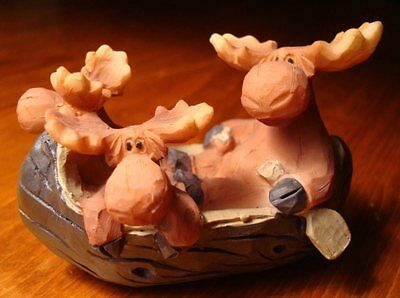 Rustic Faux Wood Carved Moose Family In Log Cabin Canoe Lodge Figurine Decor NEW