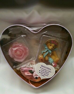 Cherished Teddie 679089 ~ CECILIA ~ You Pull On My Heartstrings ~ Gift Set NEW