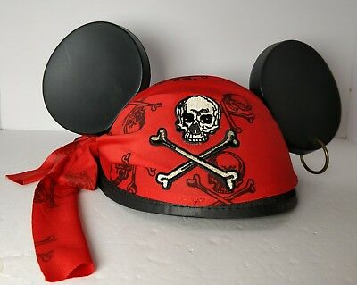 "Lot of 2 Disney Parks Hats Pirates of Caribbean & Minnie Mouse ""Love and Kisses"""
