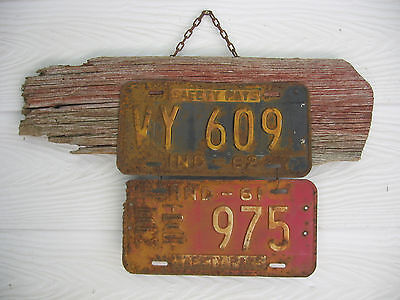 Primitive Rusty 1961-62 Indiana License Plate Hanging Sign On Old Barn Siding