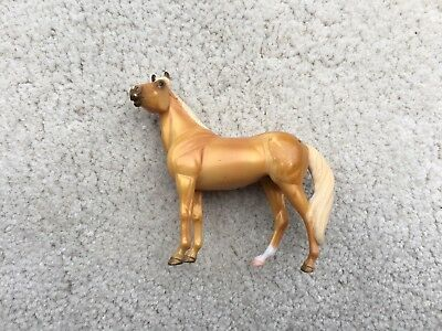 Breyer Stablemate #5922 Standing Stock Horse Palomino Foal Set G3 Retired