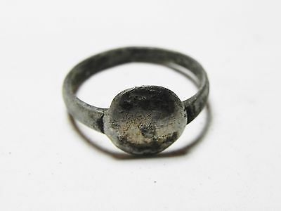 Zurqieh - Aa7445- Holy Land. Roman 200 - 400 A.d . Silver Ring.
