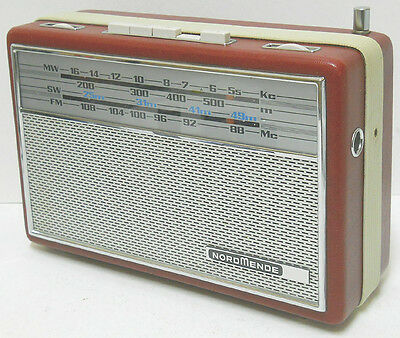 NORDMENDE Transita de Luxe Portable AM /FM /SW  Radio  Works W. Germany Nice