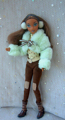 Barbie My Scene - ethnic girl in pale green fluffy jacket outfit + earmuffs FAB!