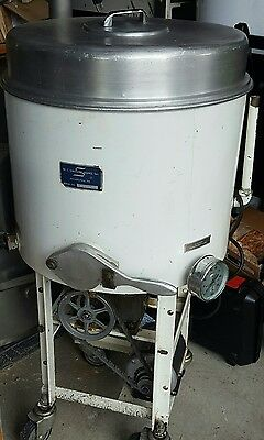 Smith Bros. chocolate melter 150# capacity water jacketed, agitated