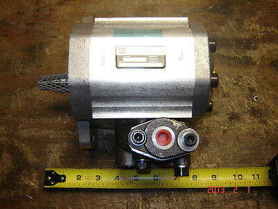 New Sunstrand/Dynamatic Hydraulic Motor 551101297150