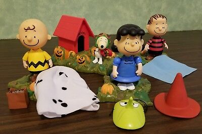 It's the Great Pumpkin Charlie Brown PMI 2002 Halloween Play Set