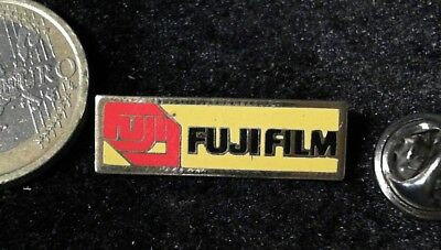 Fujifilm altes Logo gelb Pin Badge